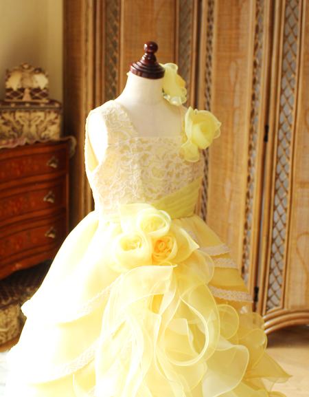 子供用ドレスのトップス構成 アシンメトリーデザイン