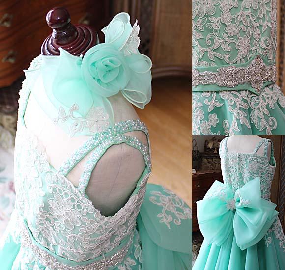 肩のデザインとへッドドレス