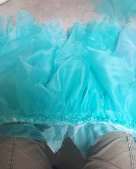 スカートを覆うリーフスカート制作