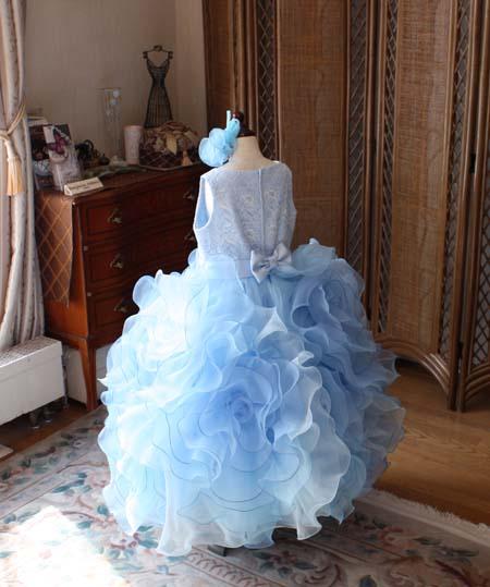 ボリューム感のあるお花スカートデザイン