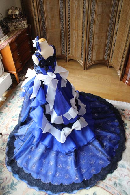 トレーンとスカートデザイン 子供用ウェディングドレス