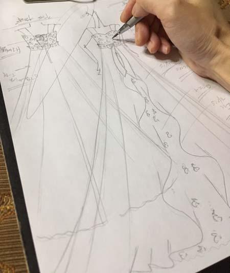 高校生向けのピアノやバイオリンのアーティスト ドレスのデザイン画