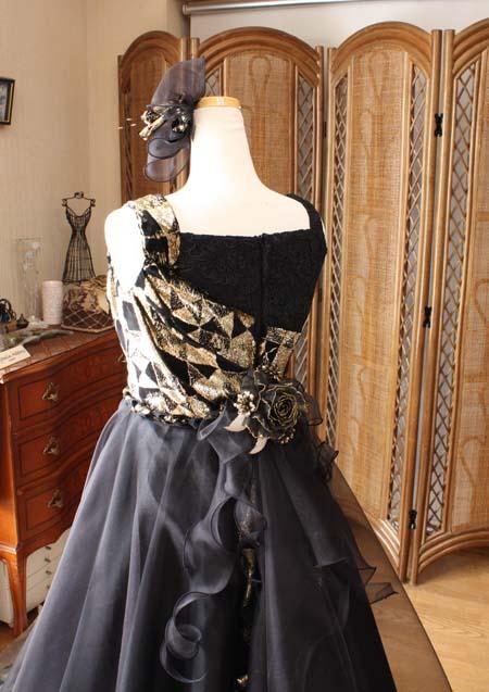 上半身の後ろ姿 ジュニアドレス オーダーメイド