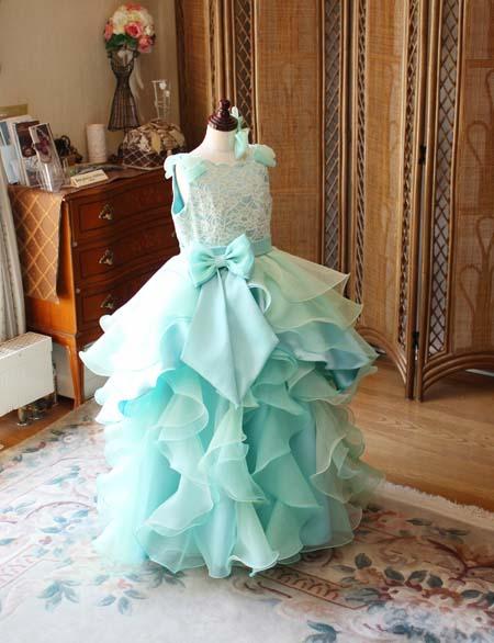 グラデーションカラーが素敵な演奏者向けのジュニアドレス