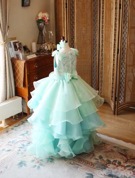 綺麗な配色を表現するスカートデザイン