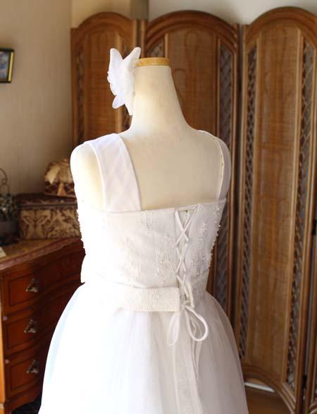 背中の編み上げ 演奏家向けのドレス制作