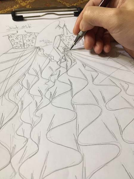 ピアノのコンクールドレス コンサートドレス デザイン画の立案