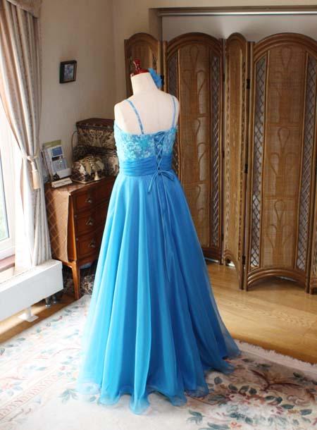 お客様の願いを叶えるオーダーメイドドレス