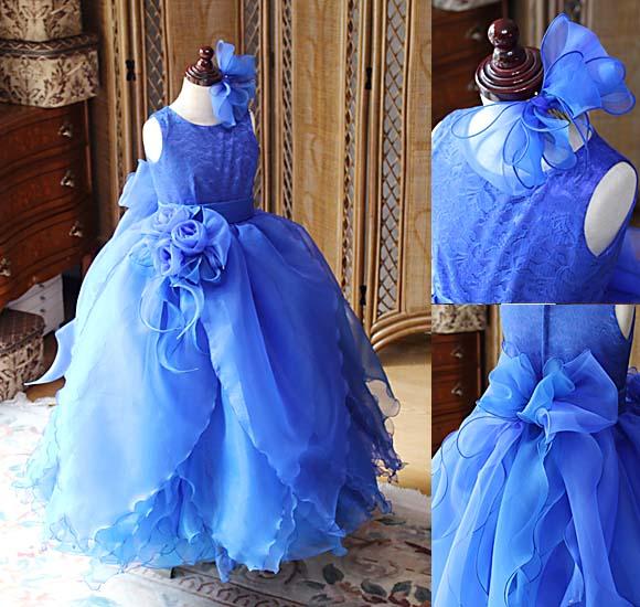 ブルーの花びらドレス 子供用発表会とコンクール用にドレスを製作