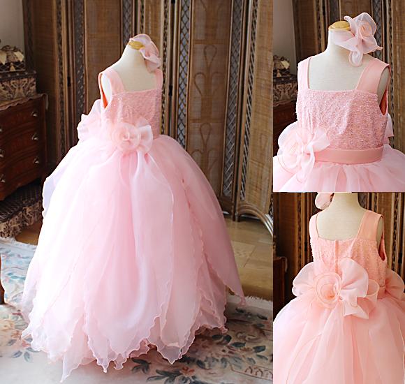 サーモンオレンジ構成の花びらドレス