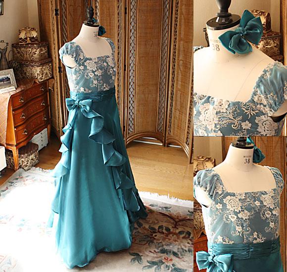 アンティークグリーンのバイオリンの演奏者用ドレス
