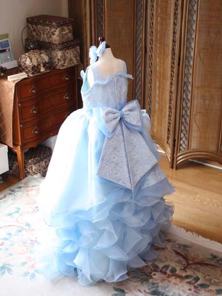 ドレスのデザイン お子様に創り上げたオーダーメイドドレス