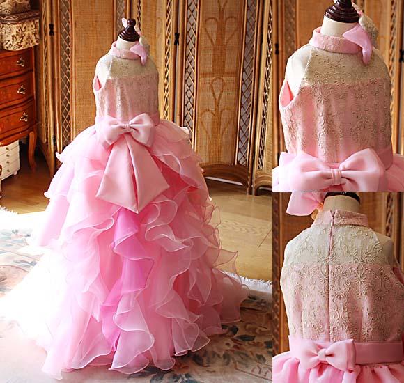 2通りのアレンジメントで表現するドレス