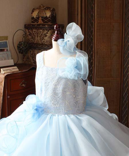 ヘッドドレス 胸元のコサージュ