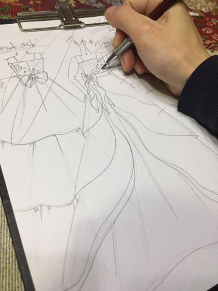 ピティナのピアノのコンサートドレス デザイン画の立案