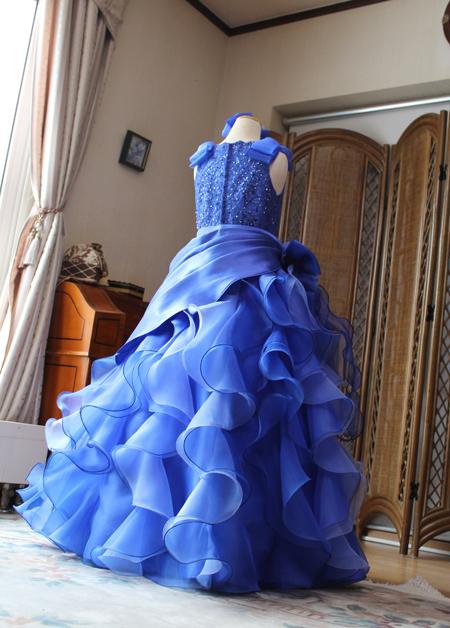 豪華なミックスカラーのフリル ブルー