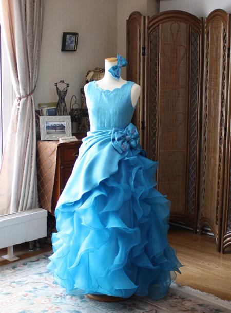 ドレスの構成とシルエット デザインの見せ所