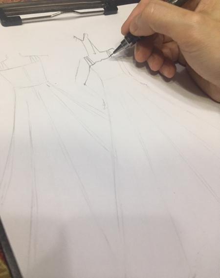 ドレスのデザインがを描く