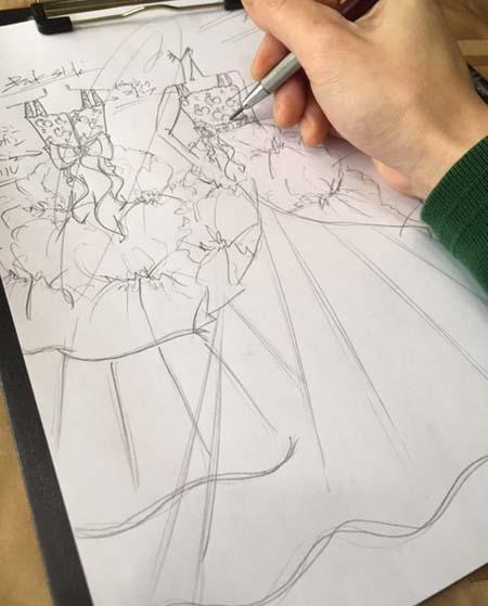 ピアノのコンチェルトドレス  デザイン画 中学生ドレス 福岡県