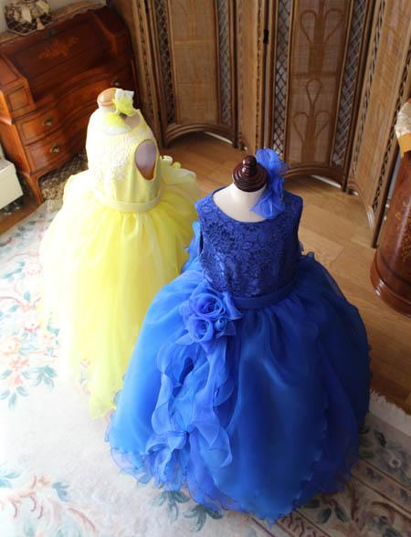 イエローとブルーのキュートなドレス