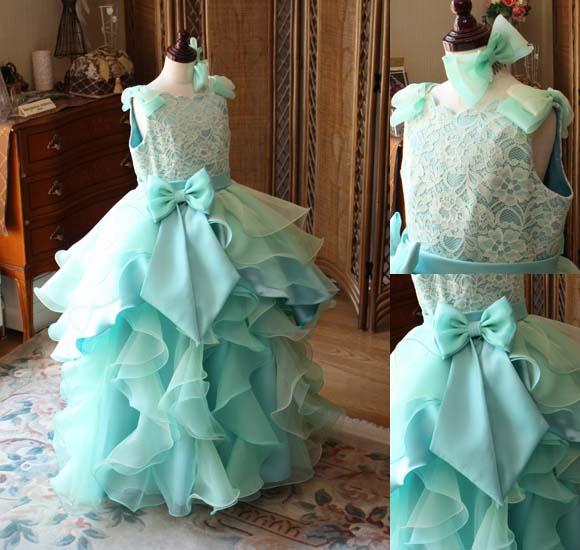小学生から中学生 アーティストに選ばれやすいドレスデザイン
