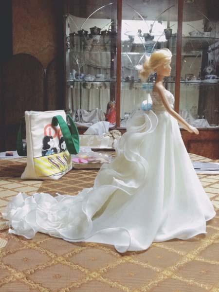 ウェディングドレス姿 バービー人形