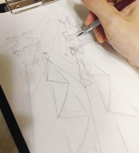 ドレスのデザイン画 ラフ画