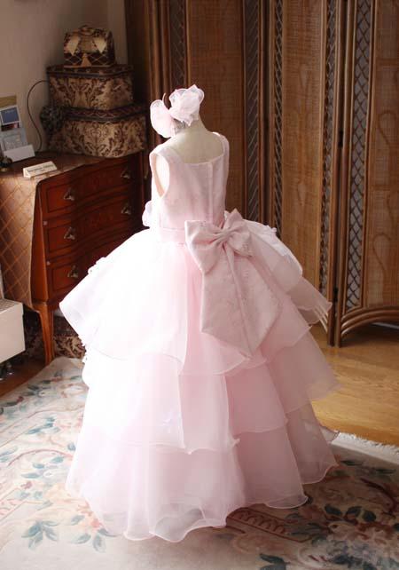 小学生にお勧めのキュートなドレス