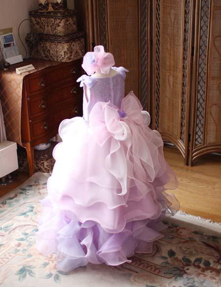 ピンクとパープルカラーのドレス