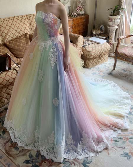 レインボーカラードレス イメージと雰囲気