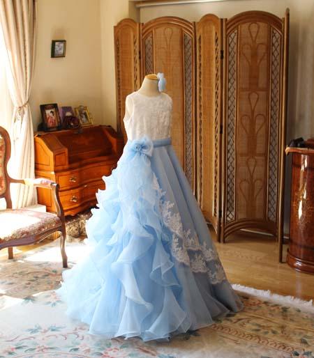 ステージに映えるシルエットと課題曲を表現するドレス