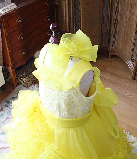 黄色を連想させる課題曲 ピアノとバイオリンのドレス選び