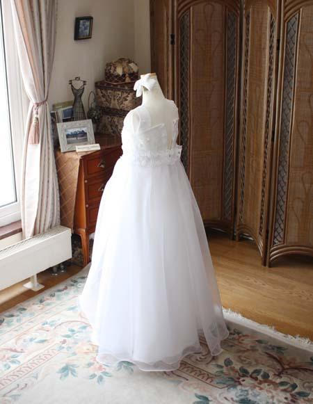 シンプルで清楚なジュニアドレス
