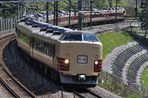 183・189系旧国鉄色のあずさ75号