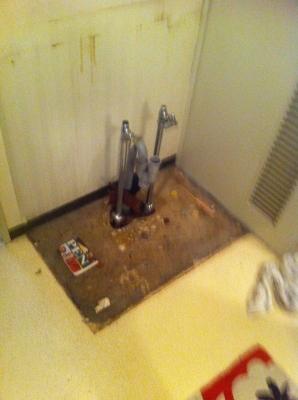 洗面台を除去