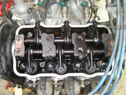 11エンジンヘッド