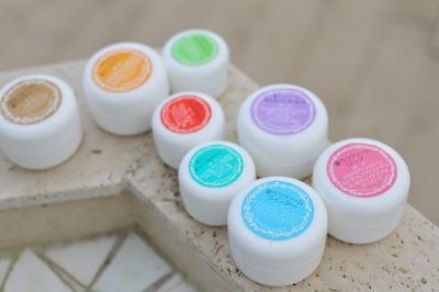 肌の乾燥を防ぐ「みつろうクリーム」