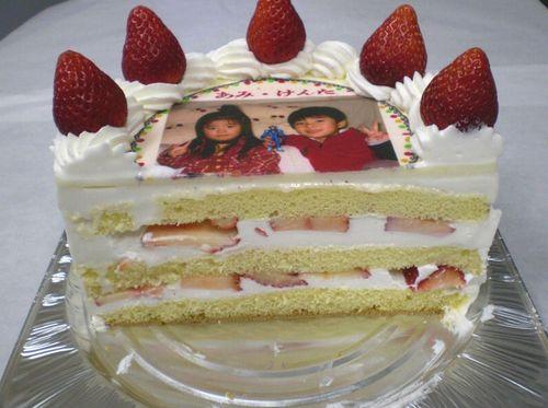 甘いもの好きな父は喜ぶ東京都練馬区顔写真をプリントしたケーキをお取り寄せ