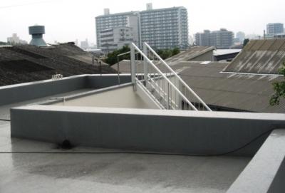 水勾配と防水・耐根シート