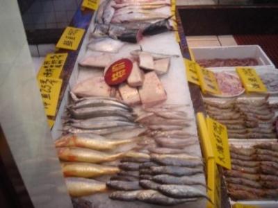 大連海鮮料理の店先1