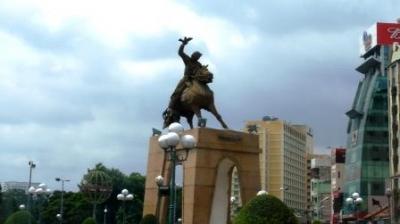 陳元汗チャングエンハンの像
