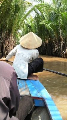 手漕ぎのボート