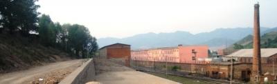 線路と工場