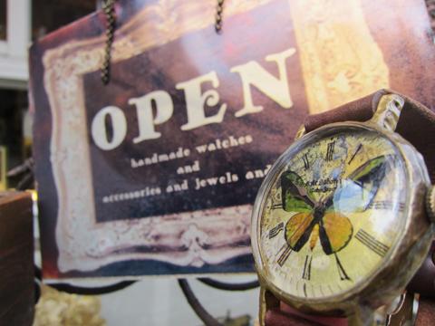 腕時計  蝶