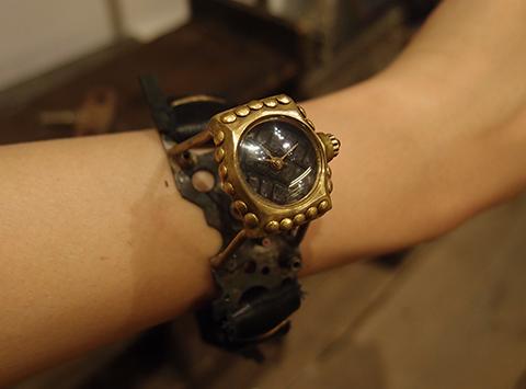 スチームパンクな腕時計