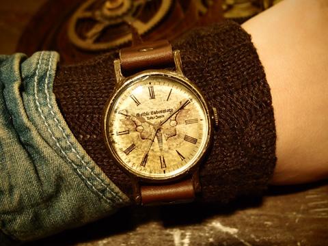 イボタガの腕時計 Classic Wristwatch Brahmaea hearseyi L ¥19,666