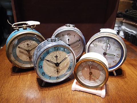 マンタム骨董時計