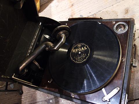 マンタム骨董蓄音機