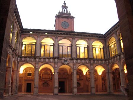 ボローニャ大学旧学舎 アルキジンナージオ館