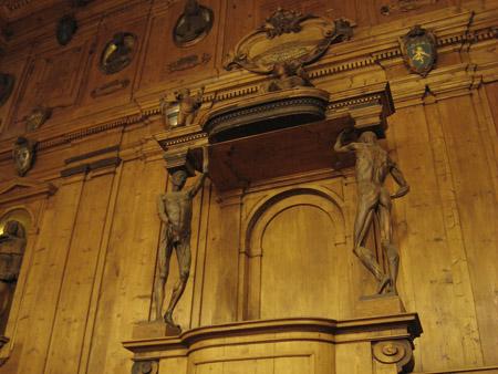ボローニャ大学旧学舎 アルキジンナージオ館 大階段解剖教室